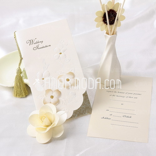 Floral Style Tri-Fold Invitation Cards With Tassels (Set of 10) (114032377)
