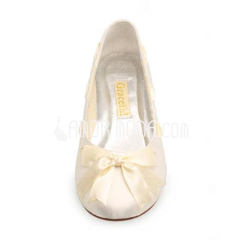 Vrouwen Satijn Flat Heel Closed Toe Flats met Strik Ribbon Tie (047005458)