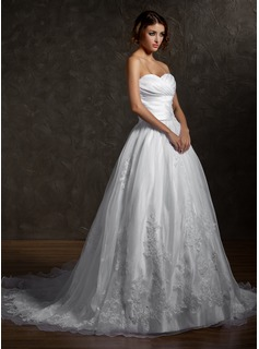 Ball-Gown Sweetheart Chapel Train Organza Satin Wedding Dress With Ruffle Appliques Lace (002004784)