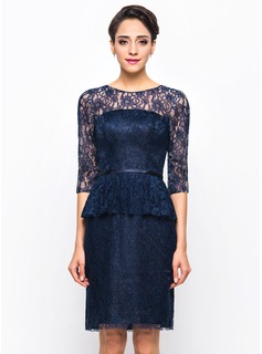 Sheath/Column Scoop Neck Knee-Length Lace Cocktail Dress (016055913)