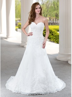 A-Line/Princess Sweetheart Court Train Tulle Wedding Dress With Ruffle Lace Beading (002000492)