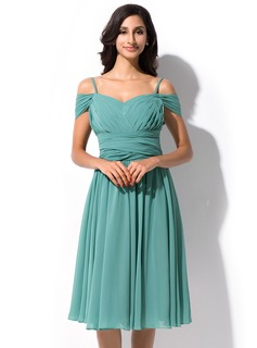 A-Line/Princess Off-the-Shoulder Knee-Length Chiffon Prom Dress With Ruffle (018112843)