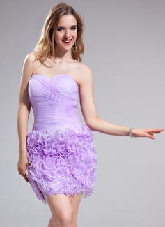 Vestido tubo Escote corazón corto rodilla-longitud Organdí Fiesta de antiguos alumnos con Flores Cascada de volantes (022025382)