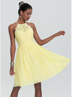 A-Line/Princess Scoop Neck Knee-Length Chiffon Homecoming Dress (022120493)