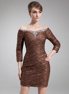 Etui-Linie Schulterfrei Kurz/Mini Spitze Kleid für die Brautmutter mit Rüschen Perlen verziert (008006567)
