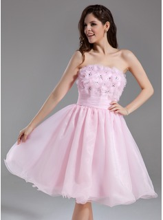 Sweet Sixteen Dresses A-Line/Princess Strapless Knee-Length Organza Homecoming Dress With Ruffle Beading Flower(s) Sequins (022020838)
