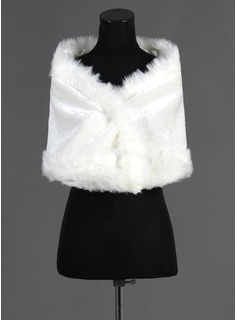 Faux Fur Wedding Shawl (013015987)
