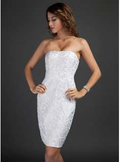 Sheath/Column Strapless Knee-Length Lace Cocktail Dress (016015346)