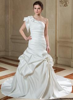 Forme Sirène/Trompette Encolure asymétrique Traîne mi-longue Satiné Robe de mariée avec Plissé (002011500)