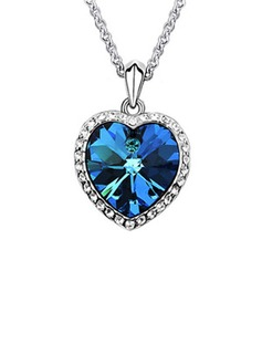 Heart Shaped Alloy With Crystal Necklaces (011036278)
