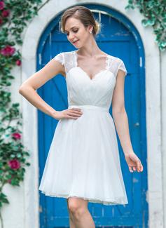 Forme Princesse Bustier en coeur Court/Mini Tulle Dentelle Robe de mariée avec Plissé (002051355)