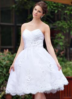 A-Line/Princess Sweetheart Knee-Length Taffeta Organza Wedding Dress With Ruffle Beading Appliques Lace Flower(s) (016026254)
