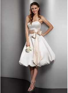 A-Line/Princess Sweetheart Knee-Length Satin Wedding Dress With Sash Bow(s) (002001379)