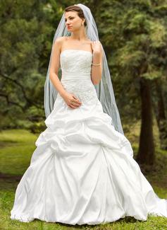Duchesse-Linie Trägerlos Gericht Schleppe Taft Brautkleid mit Stickerei Rüschen Perlen verziert (002024693)