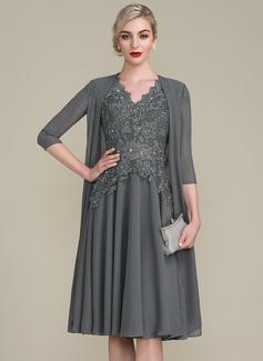 A-Linie/Princess-Linie V-Ausschnitt Knielang Kleid für die Brautmutter mit Perlstickerei (008107648)