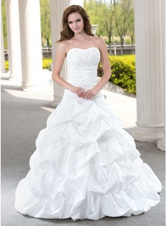 Ball-Gown Sweetheart Chapel Train Taffeta Wedding Dress With Ruffle Lace Beading (002012223)