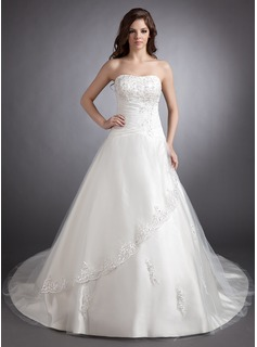 Ball-Gown Sweetheart Chapel Train Satin Tulle Wedding Dress With Lace Beading (002011511)
