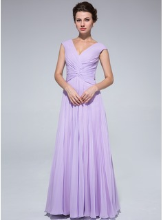 A-Line/Princess V-neck Floor-Length Chiffon Mother of the Bride Dress With Ruffle (008018973)