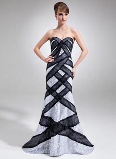 Trompete/Meerjungfrau-Linie Herzausschnitt Hof-schleppe Pailletten Kleid für die Brautmutter mit Schleifenbänder/Stoffgürtel (008005764)