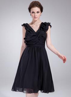 A-Line/Princess V-neck Knee-Length Chiffon Cocktail Dress With Ruffle Flower(s) (016021159)