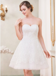 A-Line/Princess Sweetheart Knee-Length Lace Wedding Dress (002042297)
