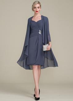 Etui-Linie Knielang Chiffon Kleid für die Brautmutter mit Rüschen Perlstickerei Applikationen Spitze Pailletten (008102674)