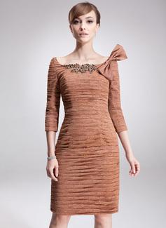 Etui-Linie Schulterfrei Knielang Spitze Kleid für die Brautmutter mit Rüschen Perlen verziert Pailletten Schleife(n) (008006003)