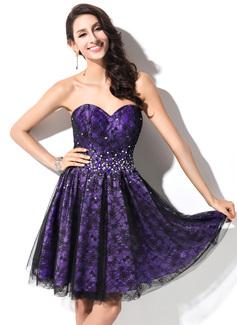 A-Line/Princess Sweetheart Short/Mini Taffeta Lace Homecoming Dress With Beading Sequins (022053550)