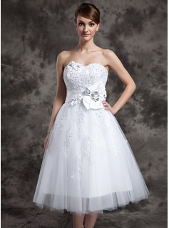 A-Line/Princess Sweetheart Tea-Length Satin Tulle Wedding Dress With Lace Beading Flower(s) (002024082)