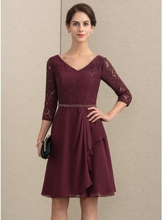 A-Line V-neck Knee-Length Chiffon Lace Mother of the Bride Dress With Beading (008164090)