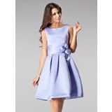 A-Line/Princess Square Neckline Knee-Length Satin Bridesmaid Dress With Flower(s) (007005200)