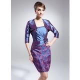 Etui-Linie Rechteckiger Ausschnitt Kurz/Mini Taft Spitze Kleid für die Brautmutter mit Rüschen Perlen verziert Blumen (008015033)