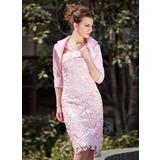 Etui-Linie V-Ausschnitt Knielang Spitze Kleid für die Brautmutter mit Rüschen (008005937)