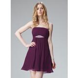 A-Line/Princess Strapless Short/Mini Chiffon Holiday Dress With Ruffle Beading (020013081)