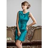 Etui-Linie U-Ausschnitt Kurz/Mini Satin Kleid für die Brautmutter mit Rüschen (008013811)