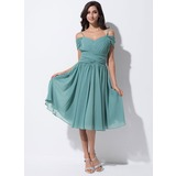 A-Line/Princess Off-the-Shoulder Knee-Length Chiffon Bridesmaid Dress With Ruffle (007055191)