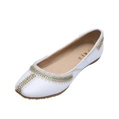 Leatherette Flat Heel Flats Closed Toe With Rhinestone shoes (086056685)