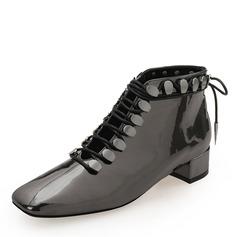 Frauen Lackleder Stämmiger Absatz Geschlossene Zehe Stiefelette Martin Stiefel mit Niete Zuschnüren Schuhe (088185177)