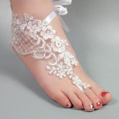 Женщины Кружева Открытый мыс Сандалии Beach Wedding Shoes с Вышитые кружева Цветок Аппликация (047123804)