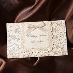 Classic Style Tri-Fold Invitation Cards med Bånd (Sæt af 50) (114032380)