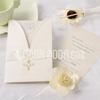 Classic Style Wrap & Pocket Invitation Cards (Set of 50) (114032372)