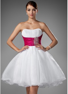 A-Line/Princess Sweetheart Short/Mini Organza Wedding Dress With Ruffle Sash Beading (002004011)