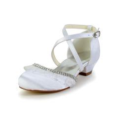 Детская обувь Атлас Низкий каблук Закрытый мыс На плокой подошве с горный хрусталь Рябь (047031804)